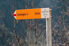 Wegweiser Vocaglia - Dazio ( TI - 1`010 m - Standorttafel Tessiner Wanderwege ) bei Vocaglia - Dazio im Onsernonetal - Valle Onsernone im Kanton Tessin der Schweiz (chrchr_75) Tags: hurni170221 hurni christoph chriguhurnibluemailch februar 2017 februar2017 onsernonetal valle onsernone kanton tessin südschweiz kantontessin schweiz susise switzerland svizzera suissa swiss wegweiser standorttafel suisse