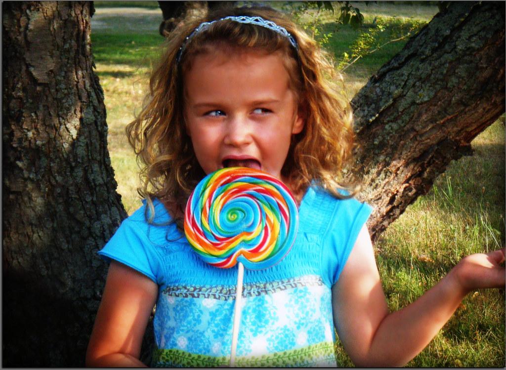 By Photo Congress    Lollipop Girl Song