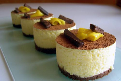 tartitas de mousse de mango y chocolate