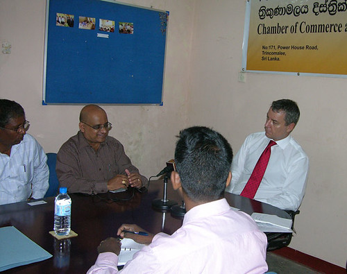 High Commissioner briefed by Chamber of Commerce