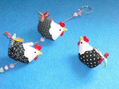 Mini... (nanarteira) Tags: feltro cozinha tecido chaveiro galinhas