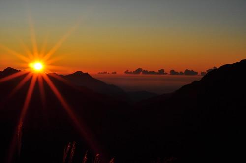 Dusk and dawn on HeHuanShan