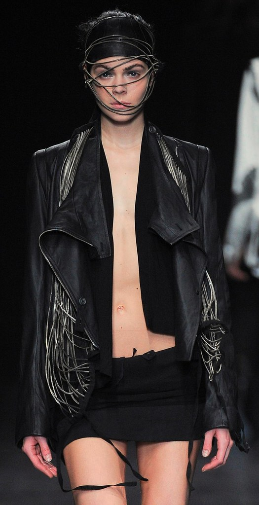 Ann Demeulemeester Summer 2010 zipper pieces 5