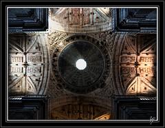 Illumination (Paco CT) Tags: light luz church architecture geotagged spain arquitectura iglesia explore galicia monastery 2009 esp monasterio sansalvador ourense celanova sanrosendo pacoct geo:lat=4215221317 geo:lon=795748115