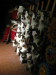 skull alley (kittiegeiss) Tags: santafe skulls walldecorations