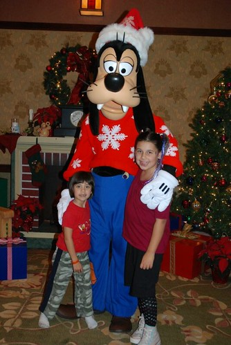 Goofy and the girls