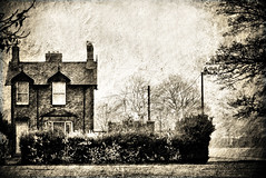 The old Park Keepers House (*Debi) Tags: texture southpark darlington hdr dynamicphotohdr pe7texture oldparkkeepershouse soulfultexturesandbwtints