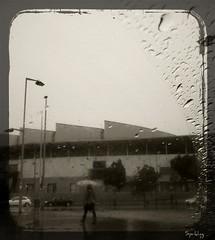 Lluvia (Esparkling) Tags: sepia lluvia agua ciudad urbana virado badalona robado ltytr1 esparkling
