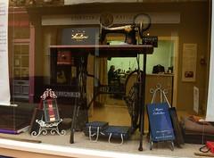 Man at work (Nanny Bean) Tags: singersewingmachine shopwindowdisplay treadle bespoketailoring johnmooretailors barstreetscarborough