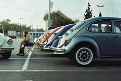 VW Beetle, Next Generation (Ilya.Bur) Tags: film vw analog 35mm volkswagen beetle fsu rangefinder fusca aircooled vocho maggiolino zorki1 kafer industar22 worldcars