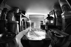 Esprragos (Guillem Oliver) Tags: interior comida fisheye inside aceitunas tomate dentro bote frasco peleng latas armario ojodepez despensa encerrado peleng8mmf35 alubias conservas esprragos subjetivo atrapado canoneos450d visinsubjetiva
