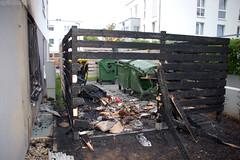Brennende Müllbehälter - 7 Verletzte - 25.07.09