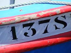 137 (Loca....) Tags: portugal docks numbers setbal 100 nmeros 201 137 docas locabandoca 1onetoinfinity sequentialdigitnumbers 2582009