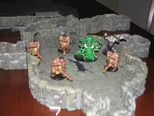 The Crawling God and worshippers