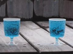 The Blue Lagoon's blue drinks.....in Iceland (Hazboy) Tags: blue water pool island iceland europa europe drink reykjavik geothermal bluelagoon islande icelandic islanda bláalónið ijsland hazboy hazboy1