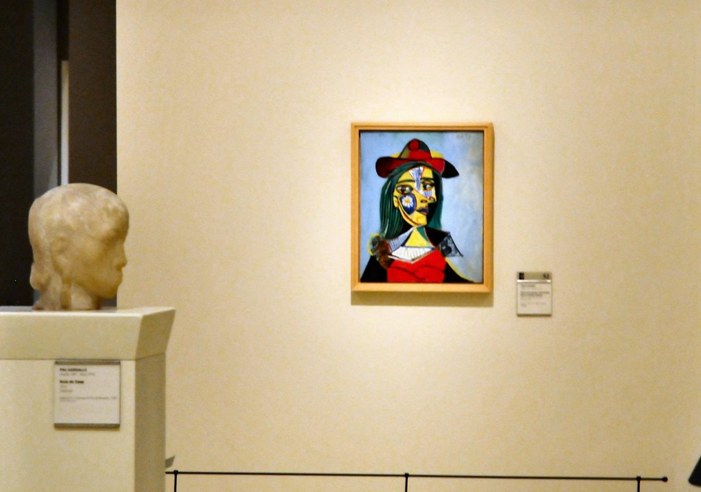 46790d750f3 Picasso - Women with Hat and Fur Collar at Barcelona National Art Museum of  Catalonia (