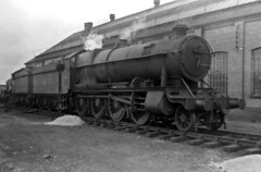 oxley loco shed 4707 early 1960's (Steve75C) Tags: shed loco oxley 4707