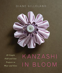 Kanzashi in bloom book (Copyright Hanna Andersson)