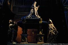 Colbert in Saint-Eustache-les-Halles (Marc Haegeman Photography) Tags: paris france marble tombs colbert religioussculpture antoinecoysevox jeanbaptistecolbert jeanbaptistetuby funeralmonuments sainteustacheleshalles