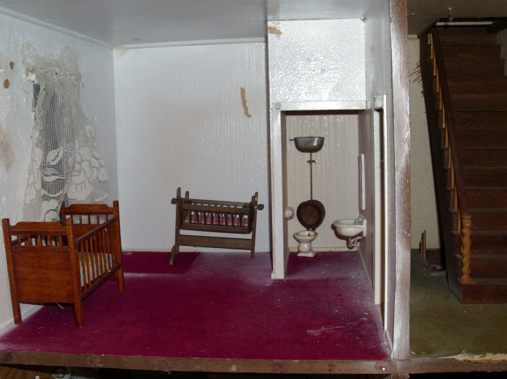 Victorian Dollhouse - bedroom and water closet