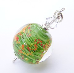 SAMSUNG DIGITAL CAMERA (Glittering Prize - Trudi) Tags: red orange green glass yellow beads charm poppies trudi lampwork sra gbuk glitteringprize fhfteam britlamp