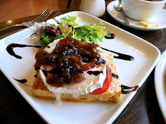 goat's cheese and balsamic carmelised onions o...