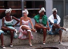 Seven Legs (Bellwizard) Tags: people sitting dancers legs folk havana cuba sit prado seated piernas lahabana bailarinas cubanas cames ballarines cubanwomen larumbadelprado