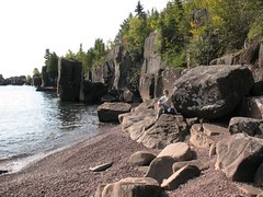rocky beach 9-17-09 (photo synth) Tags: beach cliffs lakesuperior secluded hovland
