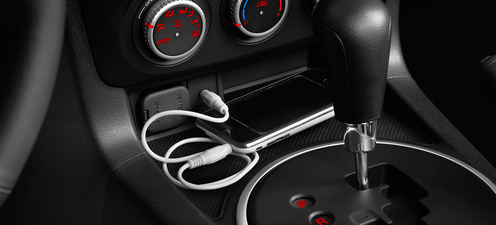 iPod, audio input jack Mazda Miata MX-5