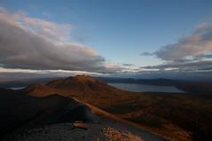 朝陽を浴びる風不死岳