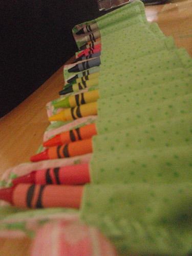 crayon roll by levysue.