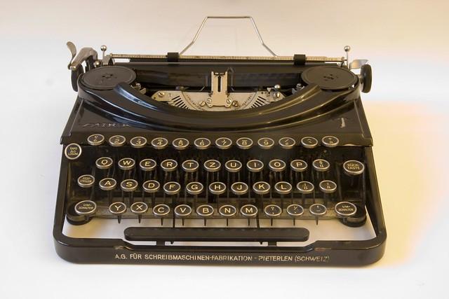 Patria Schreibmaschine