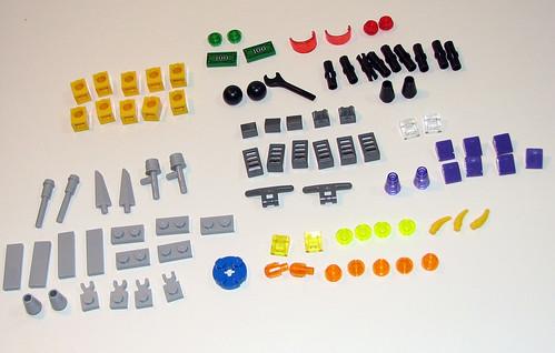LEGO Space Police 2010 5982 Smash 'n' Grab - Parts 2
