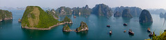 Halong Bay Panoramic (Alex Stoen) Tags: travel sea panorama water canon geotagged boats islands agua flickr fav50 ships tripod fav20 panoramic worldheritagesite vietnam panoramica thousandislands limestone fav30 incredible stitched breathtaking halongbay indochine indochina worldwonder photoexpedition fav10 fav25 fav40 fav60 jadesea ef70200f28lisusm uneso limestoneislands phototourism 5dmk2 canon5dmarkii alexstoen alexstoenphotography indochinacruises