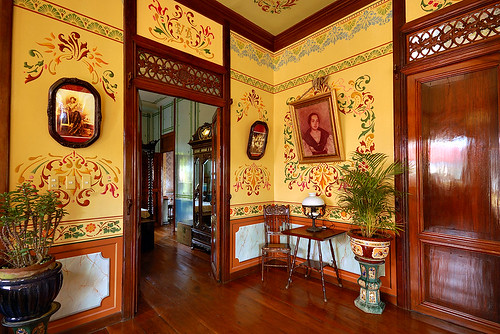 Walls painted using Art Nouveau style