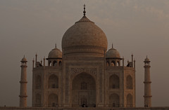 Sunrise on Taj Mahal