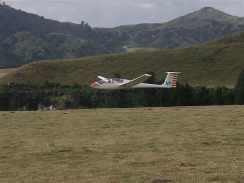 ZK-GNP foats effortlessly to an uncommon downhill landing