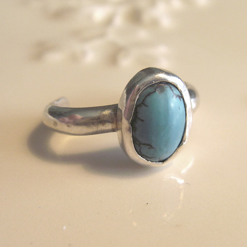 toe ring with turquoise stone