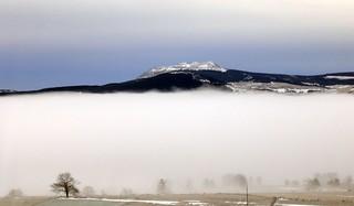 Le Mézenc flotte sur un nuage