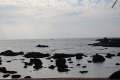 Seclusion (varunkhanna21) Tags: rocks cloudy goa secluded seaface searocks