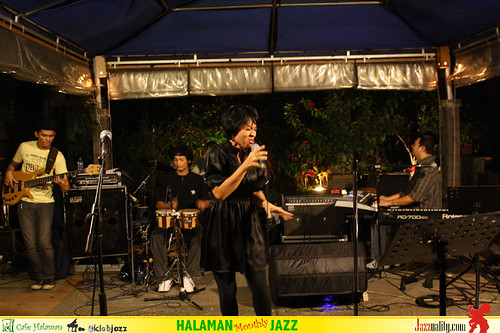 Halaman Monthly Jazz - Idang Rasjidi band with Kemala Ayu