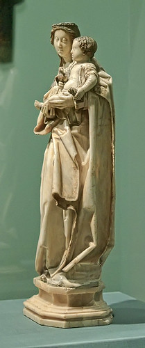 "Alabaster statue, ""Virgin and Child"", German or South Netherlandish, ca. 1460, at the Saint Louis Art Museum, in Saint Louis, Missouri, USA"