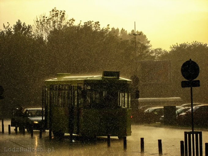 Deszcz, słońce i tramwaj