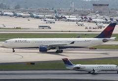 Northwest/Delta Air Lines A330-300 (maestra80) Tags: airplane airport nw northwest atl aircraft dal delta airbus atlantaairport dl nwa a330 northwestairlines hartsfieldjackson deltaairlines katl a330300 atlantainternationalairport