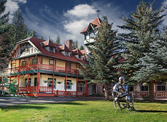 Redstone Inn (wishiwsthr) Tags: hotel inn colorado arrows stature redstone wishiwsthr