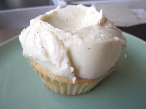 09-21 vanilla cupcake