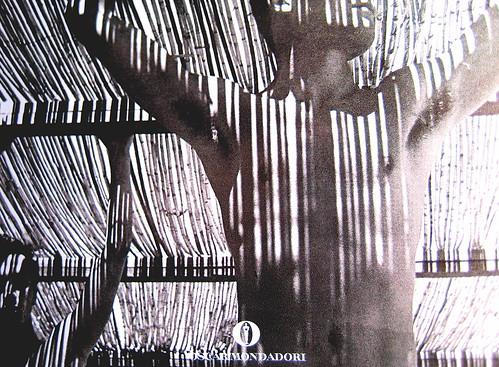 Mario Soldati, La confessione, Mondadori (Oscar Narrativa 1991) 2009; Art Director: Giacomo Callo, Graphic Designer: Susanna Tosatti; alla copertina: © Herbert List / Magnum / Contrasto (part.), 1