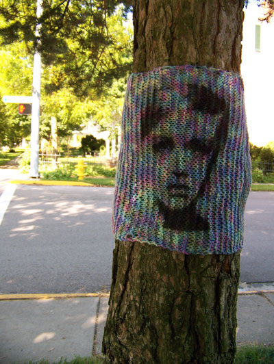 Yarnbombing-by-the-Jafagirls