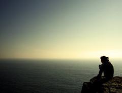 """Io...? Niente. Voglio solo fare un """"solitario"""". (Giuseppe Suaria) Tags: ocean ireland sea sky cliff mer girl island mar mare alone loneliness cliffs cielo solo thinking lonely dada isle aran sola solitario irlanda oceano ragazza isola scogliere scogliera isole contemplazione mywinners abigfave anawesomeshot theunforgettablepictures"""