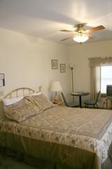 bedroom001.jpg